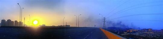 昨日,天津爆炸事故现场基本已无明火,但情况还相当复杂。