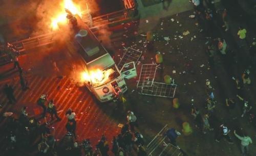 """""""热带之春""""抗议潮震撼巴西"""