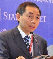 华夏基金管理公司执行副总经理滕天鸣