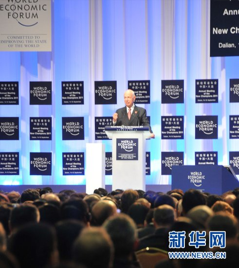 图文:世界经济论坛主席施瓦布致辞