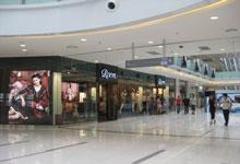 万达百货和万达广场的店铺有不少重合队