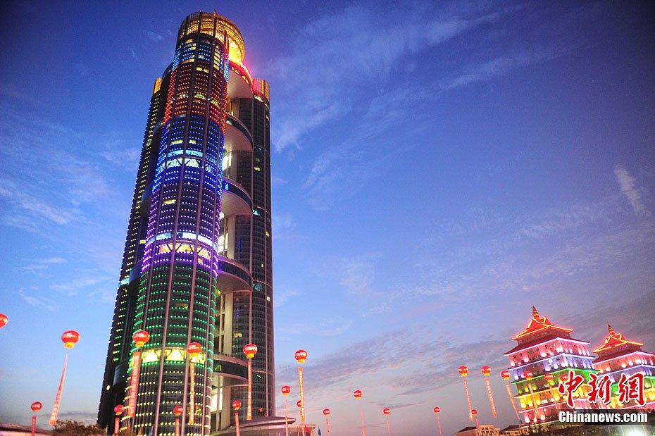 8米是因为北京最高的楼328米,华西村要和中央保持高度一致?-华西