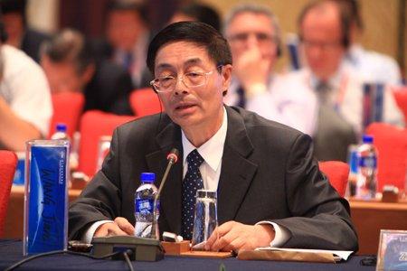 图文:国家行政学院经济部主任王健