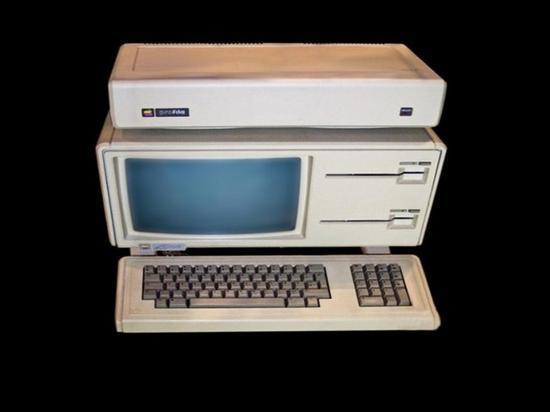 苹果神机Apple Lisa-1拍卖:5万美金成交