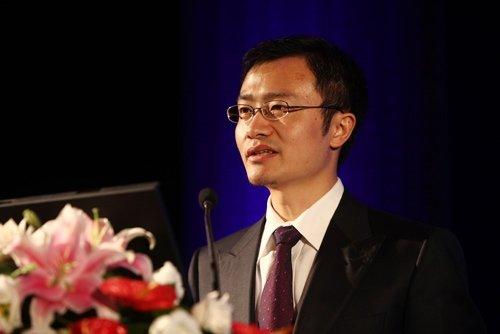 图文:中央电视台广告经营中心总监胡重演讲