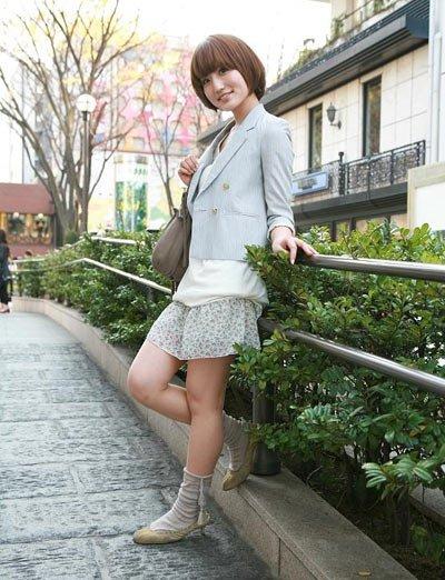 东京街头美女身材好组图
