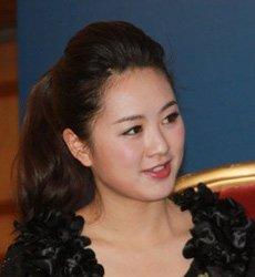 《财富天下》节目知名主持人饶文燕