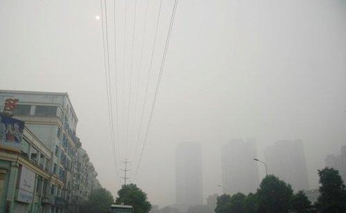 长沙出现雾霾天气 污染水平逼近历史峰值(组图)