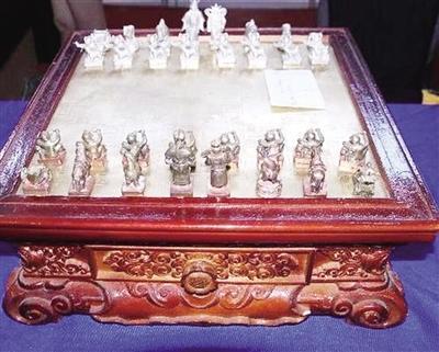 蒙古象棋:展现智慧博弈的民俗藏品