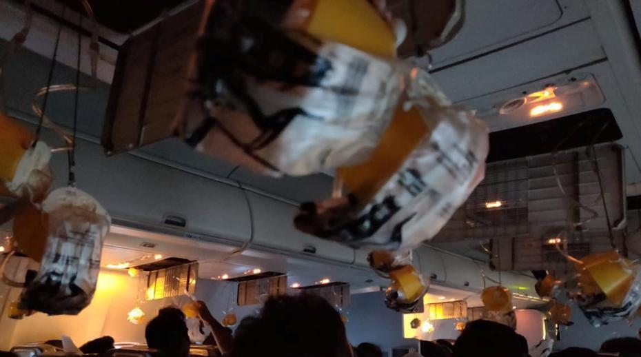 印度一航班多名乘客耳鼻流血