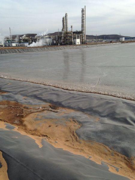图为内蒙古准格尔旗某煤制气晒晾池一角。本报记者 黄杰 摄