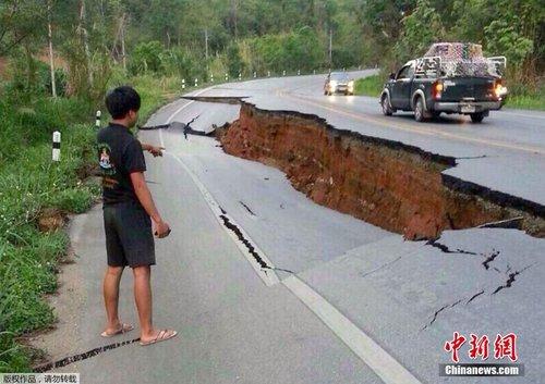 泰国北部6.0级地震 佛像损毁道路开裂