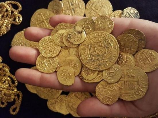 寻宝家发现300年前沉船宝藏 含价值450万美元金币图片