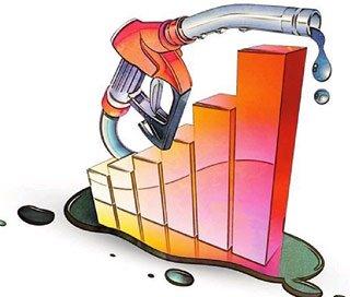 """国内汽、柴油价格""""破8"""" 每升涨0.44和0.51元"""