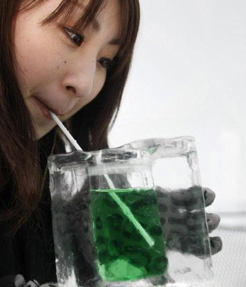 日美女北海道冰雪中沐浴组图 财经