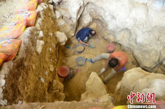 广西发现1.6万年前人类头骨化石 出土石制品万余