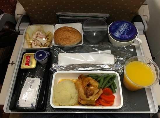 新加坡航空公司经济舱食物.-对比各国头等舱和经济舱的食物