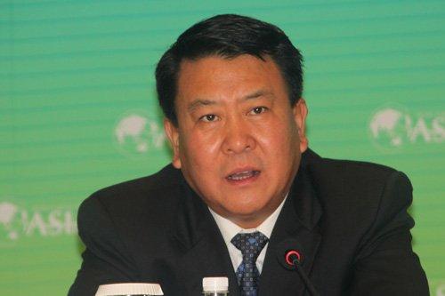 图文:北汽集团董事长徐和谊