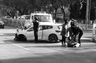 尚酷车左前轴断裂。京华时报记者陶冉摄