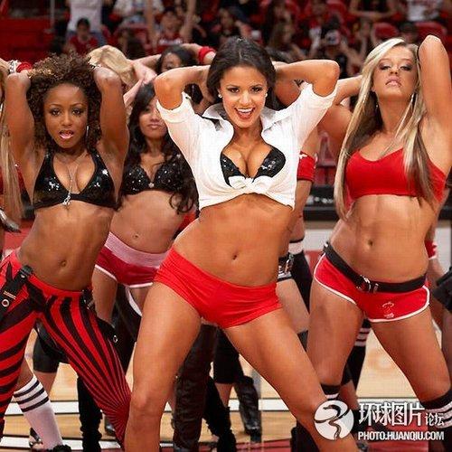 NBA美女啦啦队激情四射组图 财经