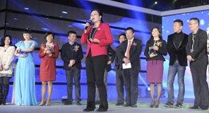 夏华代表《拆弹》最佳演员奖获奖者发表感言