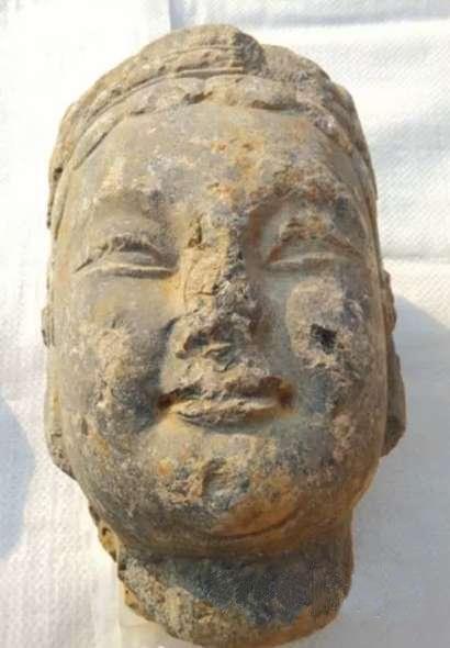 山东发现古寺庙遗址 出土佛头精美异常