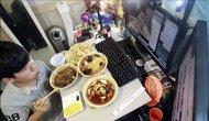 韩国少年网络直播吃饭 日挣上万元