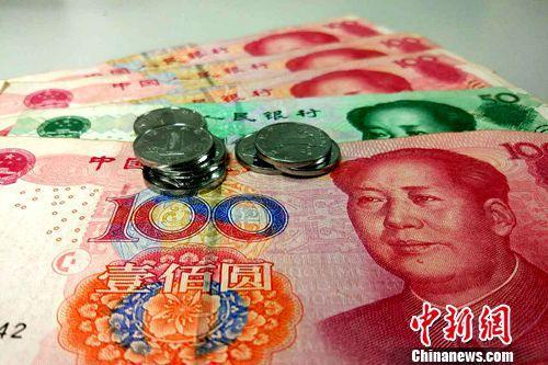 上海月最低工资标准最高。(资料图)中新网记者 李金磊 摄