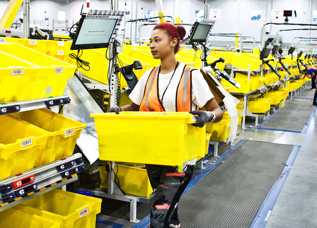 亚马逊使用机器人旧员工有了新角色