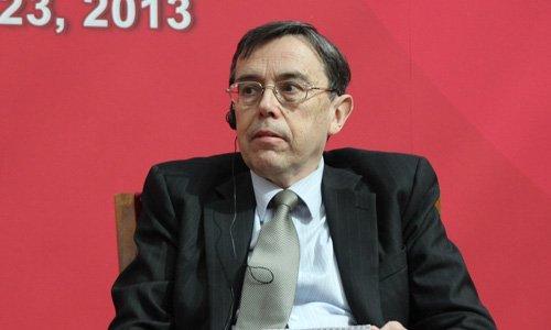 图文:经济合作与发展组织经济部理查德-赫德