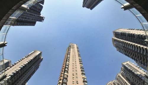 揭秘疯狂的购房杠杆:银行、网贷与房奴的无奈博弈