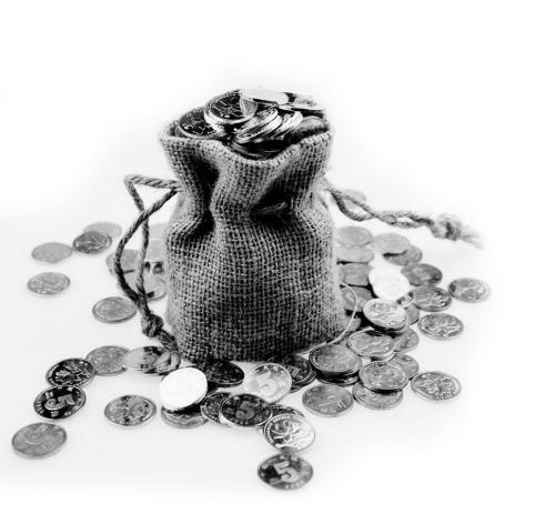 在互联网金融风行、银行理财产品狂欢之际,凭证式国债风光不再。