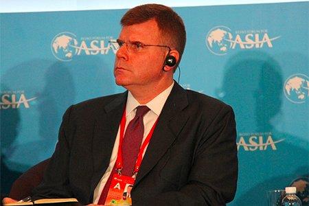 图文:亚洲开发银行副行长史蒂芬·格罗夫