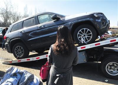 """天津港爆炸受损车""""洗白""""入市 低于市价数十万"""