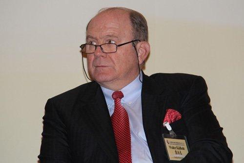 图文:瑞士再保险公司董事长康浩志