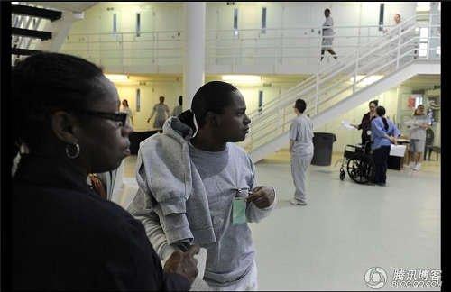 实拍:美国女子监狱内的真实生活