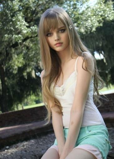 16岁美少女酷似芭比娃娃