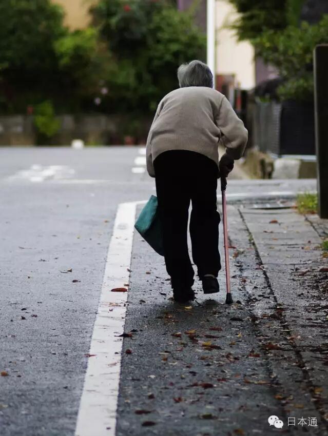 贫富差距严重 日本下流老人为中国敲响警钟