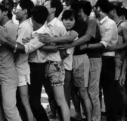 1992年深圳股疯:年轻中国股市付出代价(组图)