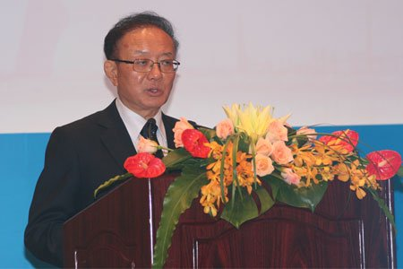 图文:中国国际经济交流中心秘书长魏建国