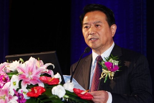 图文:上海金融工作委员会书记季文冠发言