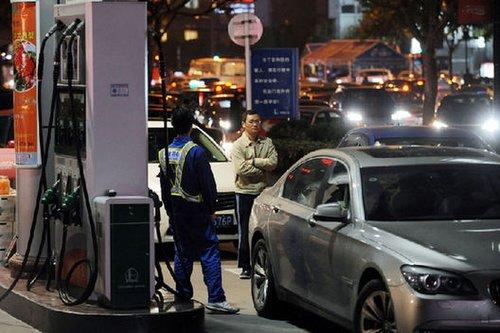 汽油价格22日起每升上涨约0.23元