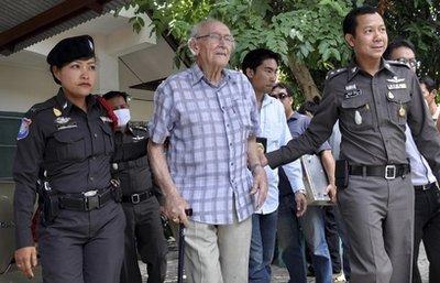 强奸40寸大波_澳90岁老翁涉强奸4名泰国幼女 或获刑20年