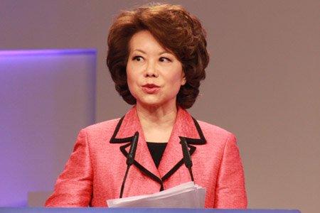 图文:美国第24任联邦劳工部长赵小兰