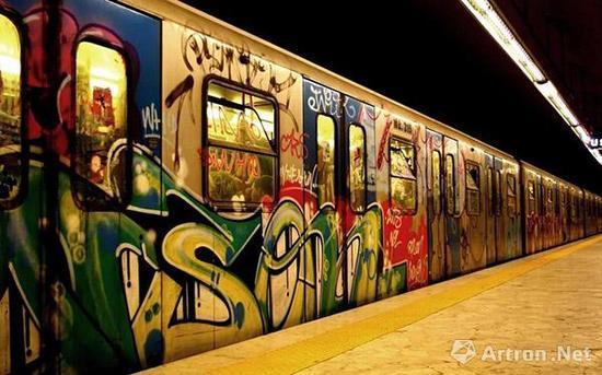 街头艺术市场时代开启