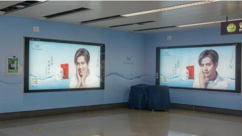罗志祥+TST 用颜值屏霸地铁广告