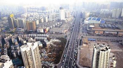 图为武汉街景