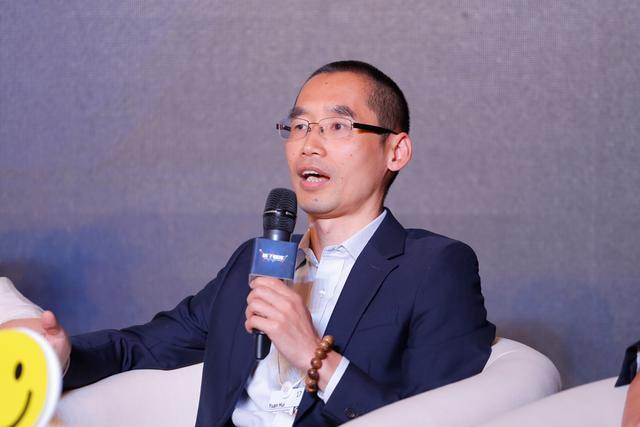 小i机器人创始人袁辉:人工智能应该有更多投资