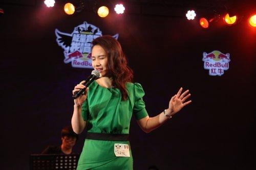 红牛能量音乐我唱响沪媒体人歌唱大赛举行