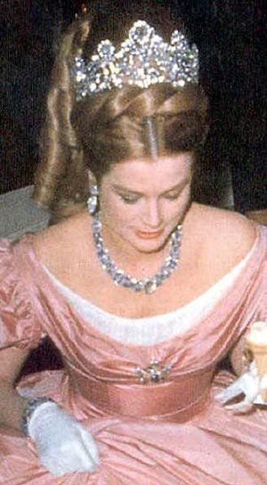 女人的梦想 盘点各国皇室女性奢华头冠(组图)